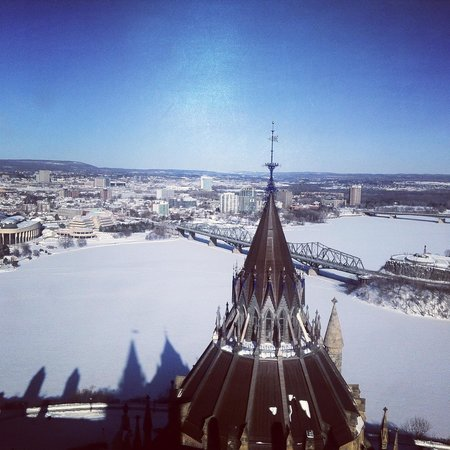 Colline du Parlement : View from the Peace Tower