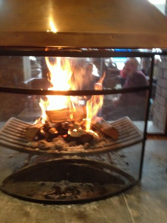 The Hat and Feathers: Cosy fire