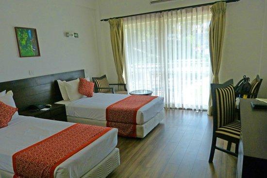 Waterfront Resort Hotel: Waterfront Resort Bedroom