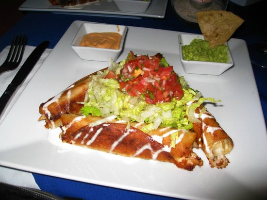 Los Tabernacos Bistro Lounge: Burritos au poulet