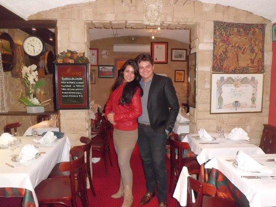 La cave a Champagne: Restaurante muito aconchegante! Fomos os últimos a sair...