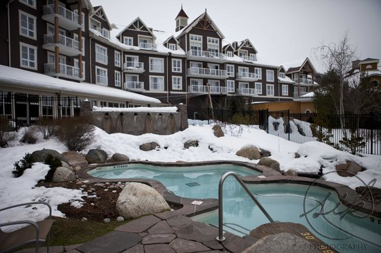 Westin Trillium House Blue Mountain : Two hot tubs and a heated outdoor pool!