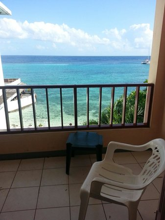 Ocean Sands: Very private balcony