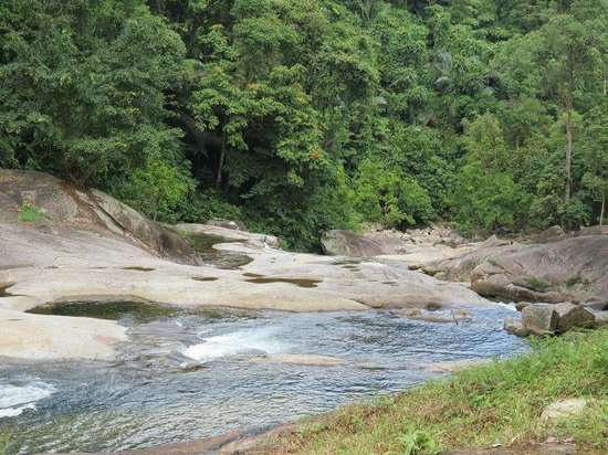 Phrom Khiri, Thailand: The trail leads up the small stream