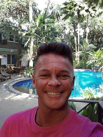 The Viridian Resort : Sat having breakfast with pool behind me
