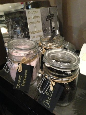 Kimpton Hotel Palomar Philadelphia: The hot chocolate station