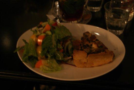 Cafe De Paris: Zucchini quiche