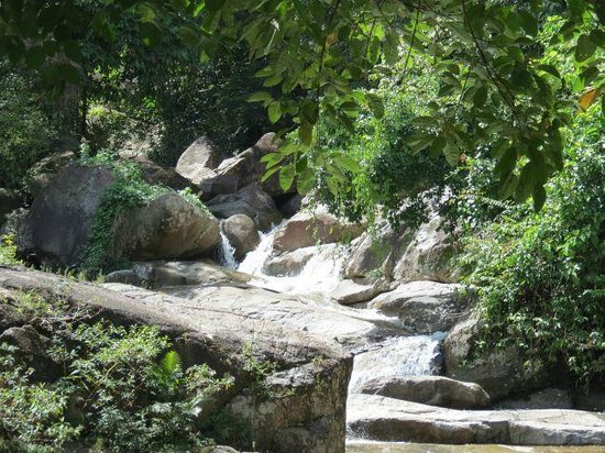 Phrom Khiri, Thaiföld: Beautiful setting for a hike or a swim in a small pool