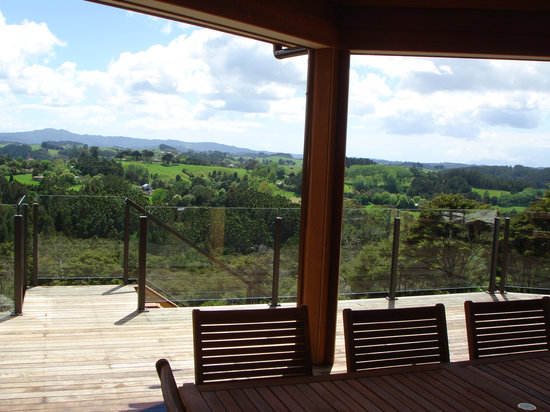 Nancy's Garden : Central terrace with magnificent views over Parry Kauri Park and the Mahurangi Estuary