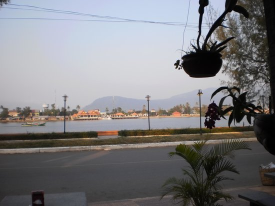 Kampot Riverside Hotel : view from restaurant
