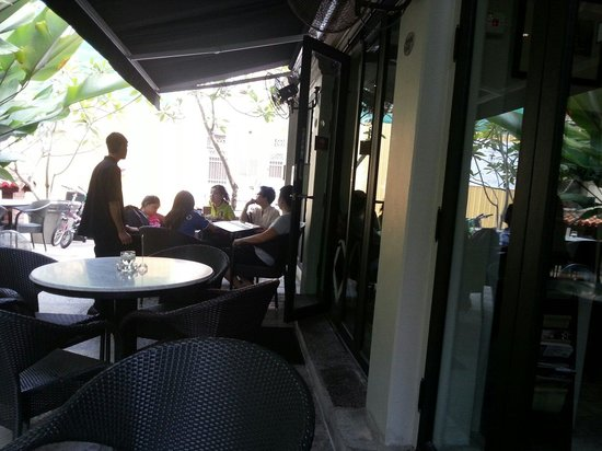 Mews Cafe: Outside or inside seating