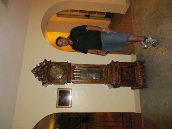 The Oasis at Death Valley : Grand father clock in the lobby