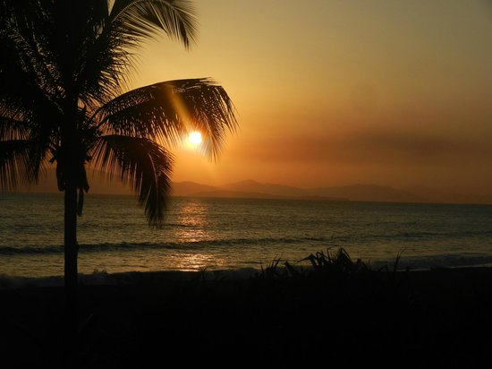 Doubletree Resort by Hilton, Central Pacific - Costa Rica: sunset