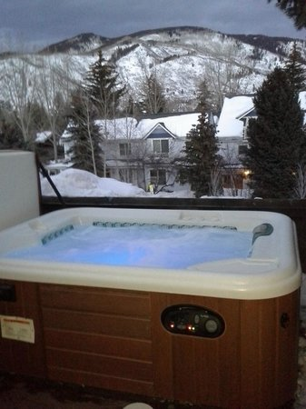 Hotel Aspen: Awesome view from hot tub!!!