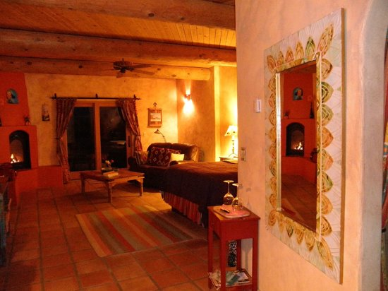 Wild Coyote Estate Winery Bed & Breakfast: Our Own Casita