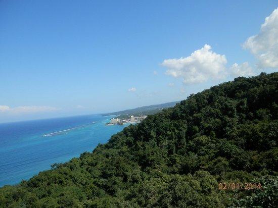 Rainforest Adventures Jamaica : Skyrider going up the moutain