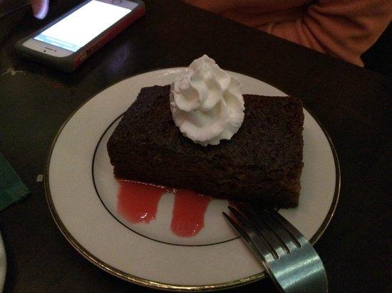 Zooroona: Date Cake!