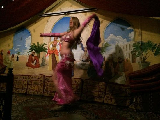 Zooroona: Belly Dancing!