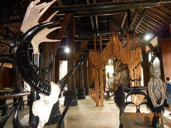 Maison noire - Baan Si Dum - Museo Baandum : the inside of one building