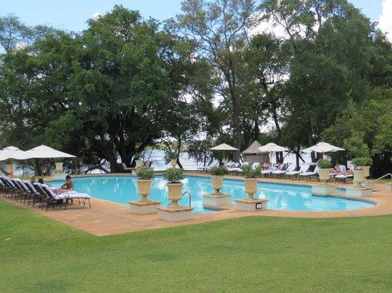 AVANI Victoria Falls Resort: pool area
