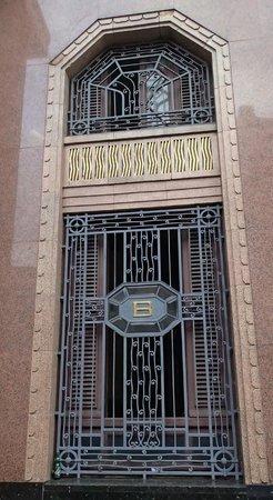 Bacardi Building : exterior