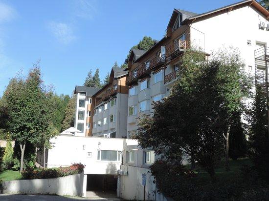 Villa Huinid Hotel Pioneros: Vista desde el jardin