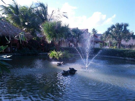 Zoetry Agua Punta Cana : Fountain behind Amaya Restaurant