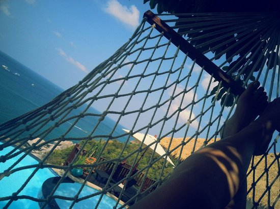 Aminjirah Resort : On the hammock