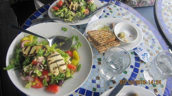 Stamna Greek Taverna: fresh salad
