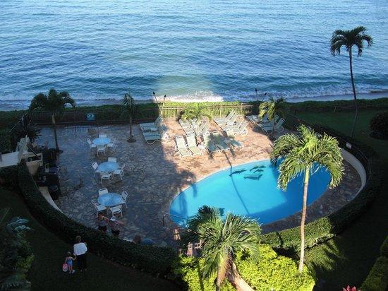 Hololani Resort: Hololani pool area