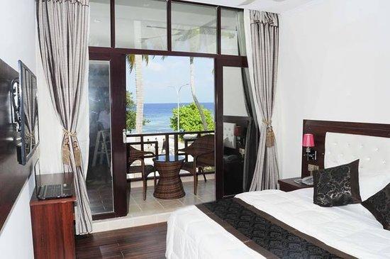 Sun Tan Beach Hotel : getlstd_property_photo