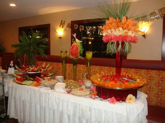 Franklin Cafe and Grill : edible arrangments