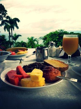 La Mariposa Hotel: Tico breakfast