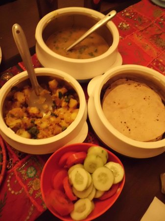 Chandra Niwas Homestay: Yummy food!