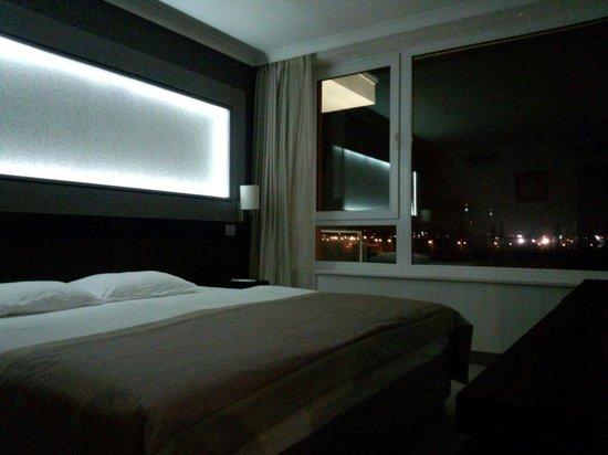 Aquaworld Resort Budapest: スイートルームのベッドルーム