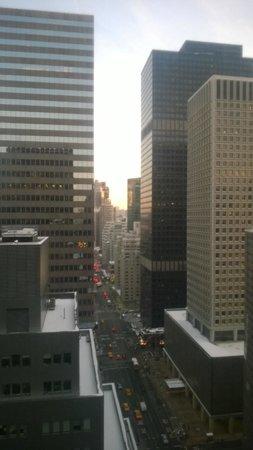 Courtyard New York Manhattan/Midtown East : View down 3rd Avenue