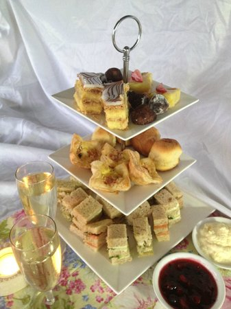 Mapleton Falls Accommodation High Tea