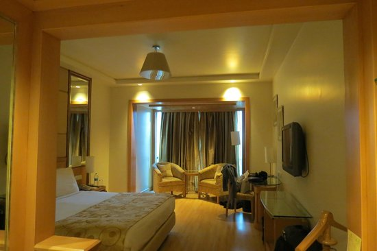 Lemon Tree Premier: spacious room
