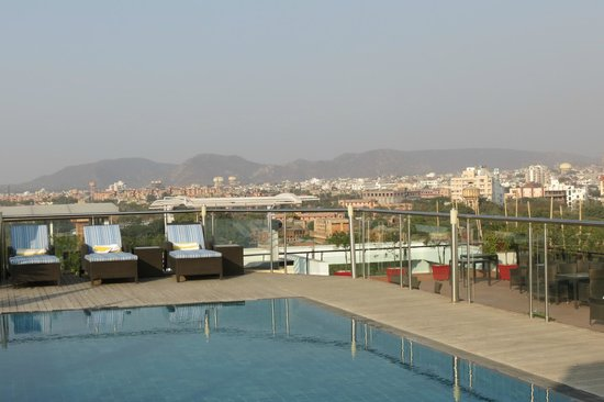 Lemon Tree Premier: rooftop pool, would be very nice in summer