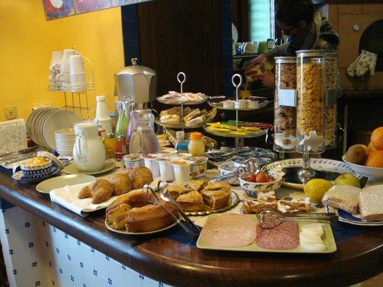 Villa Monica B&B: Tasty breakfast