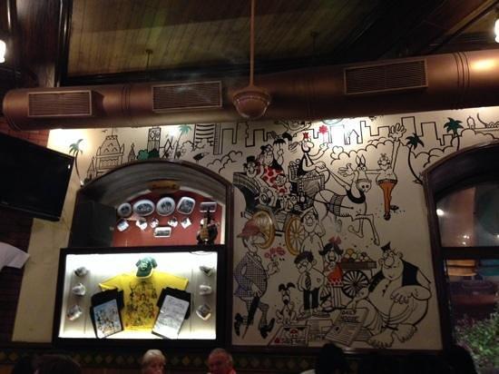 Cafe Mondegar: Beautiful walls