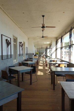 Hostal Spa Empuries: Restaurant (Außenbereich)
