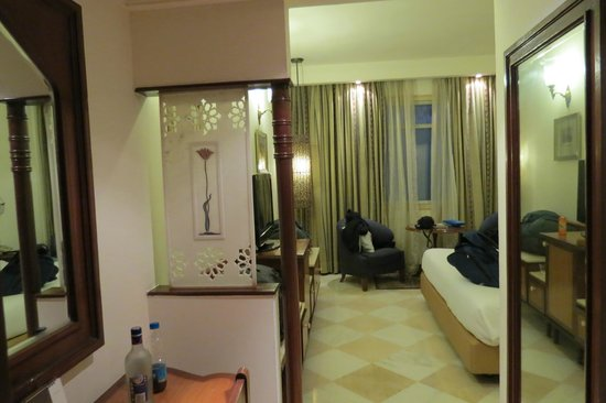The Gateway Hotel, Agra: comfortable room