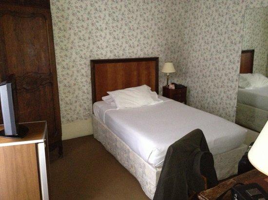 Normandy Hotel: Room