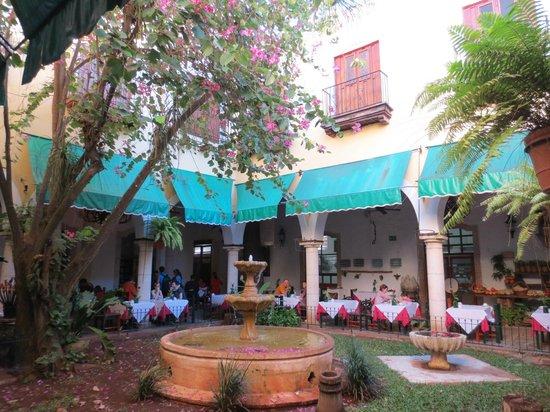 El Meson del Marques : dining area around front courtyard