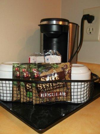 The Thunderbird Inn: Personal coffee maker