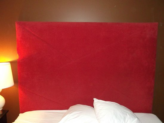 The Thunderbird Inn: Padded headboard