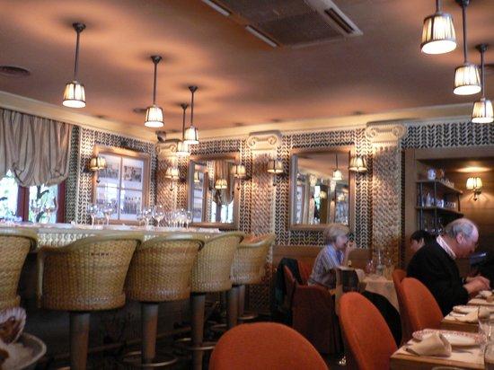 Le Bar a Huitres Montparnasse : 店内