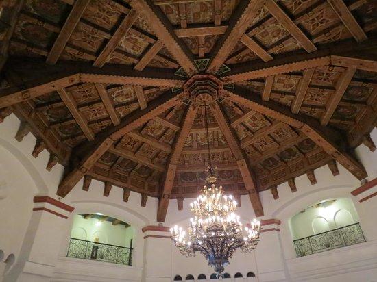 Cultural Center of Ensenada: wooden ceiling