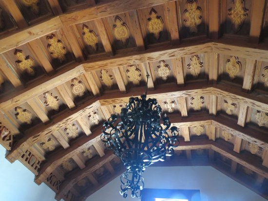 Cultural Center of Ensenada: wooden ceiling in another room